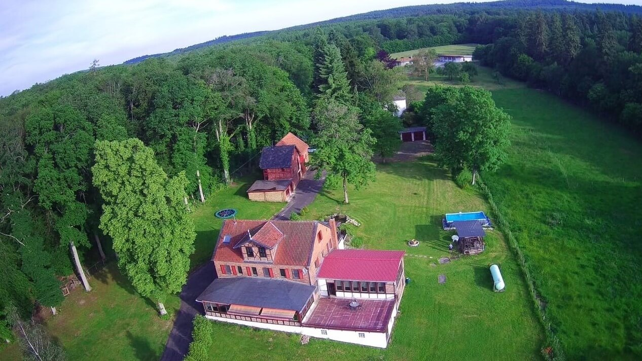 Waldfriede vanuit de lucht|groot-vakantiehuis Waldfriede